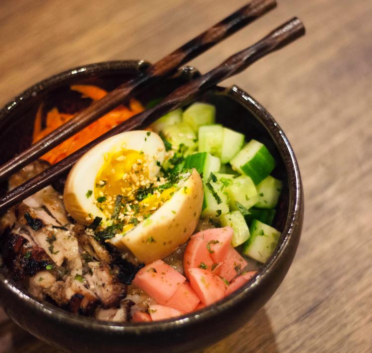Donburi (rice bowl)